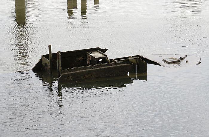 derelict boat byrne creek mouth