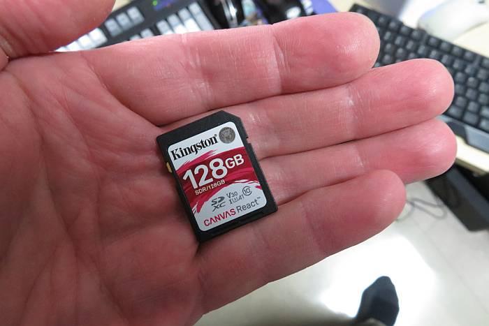 Kingston 128GB card