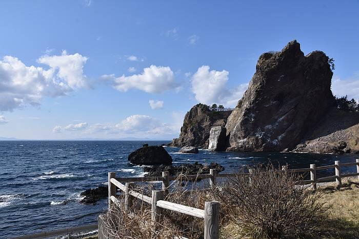 sea of japan aomori coast plastics
