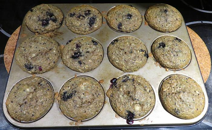 blueberry sesame oatmeal bran muffins